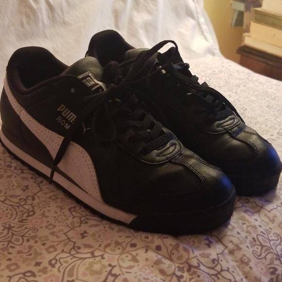 Puma Roma women s shoes. M 5b751d57c61777529254b5d2 54e31ce8cc